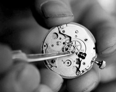 Long-term Wear the Watch Maintenance Tips
