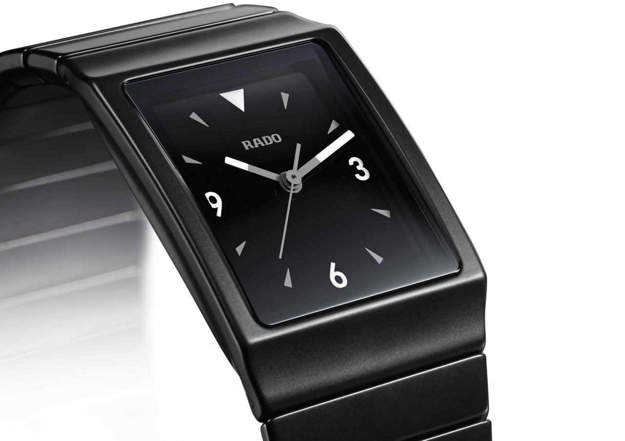 rado quartz watch black