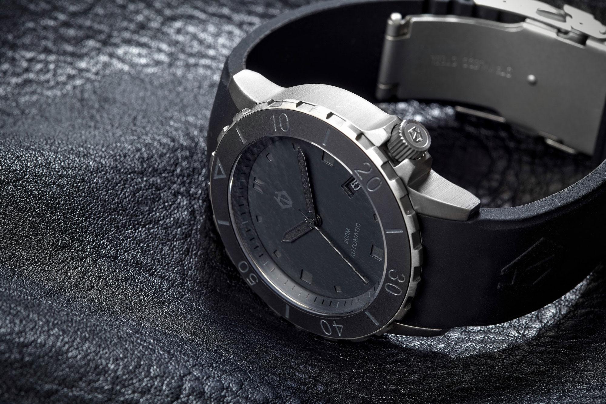 stealth-side watch